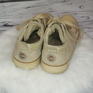 UGG leather low top lace up sheepskin fur shoes 6
